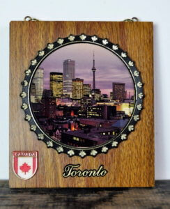 5 Great Souvenirs Toronto has to offer