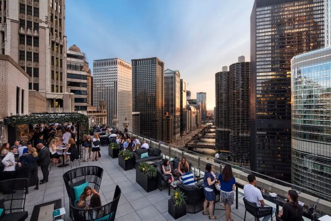 An Iconic Rooftop Bar