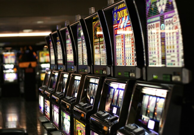 Introduction of Online Casinos in 1990